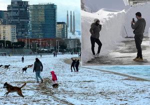 Španěly zaskočily tuny sněhu