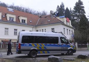Deset squatterů ze Šatovky čeká v březnu soud. Hrozí jim až dva roky za mřížemi
