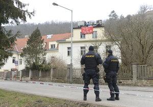 Squatteři obsadili dům v Praze 6, po šesti dnech slezli.
