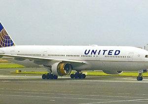 Letadlo United Airlines do Chicaga nouzově přistálo v Irsku kvůli bombové hrozbě