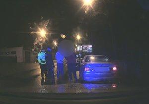 (Ne)řidič sedl za volant pod vlivem pervitinu, jeho zdrogovaný spolujezdec pak s autem odjel.