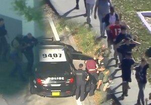 Zhrzený student vraždil bývalé spolužáky. 17 obětí při střelbě na Floridě