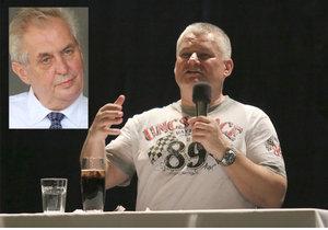 Jiří Kajínek uvažoval o kandidatuře na prezidenta už letos, nechtěl jít ale proti Miloši Zemanovi. Tu příští si ale asi ujít nenechá.