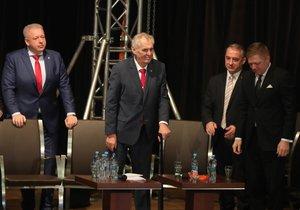 Milan Chovanec, Miloš Zeman, Josef Středu a Robert Fico na sjezdu ČSSD (18. 2. 2018)