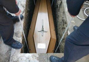 Loučili se s maminkou, v rakvi ležel muž! V českobudějovickém krematoriu zaměnili nebožtíky