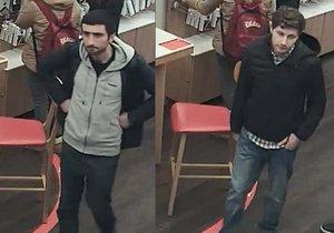 Dva mladíci ukradli z pokladny v obchodě v Praze 9 osm tisíc korun.