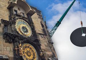 Na orloj se v pondělí instalovaly ciferníky věžních hodin.