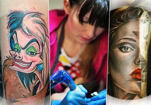 Monika Fridrichová alias Moni F. se tetování věnuje přes 6 let. Má na svém kontě i řadu ocenění. Každé z jejích děl je originál.