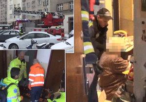 Stařenka se zranila v svém bytě v Holešovicích, hasiči za ní vlezli oknem.