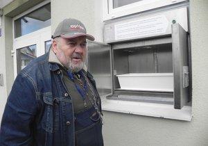 V babyboxu v Blansku našli 200. dítě: Honzík byl ve fialovém ručníku, krátce po narození