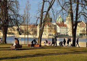 Do Česka přišlo v únoru jaro: Padaly teplotní rekordy, bylo víc než 15 stupňů