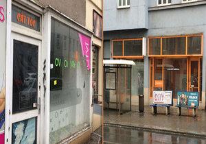 Další dopravní tah, ze kterého rekonstrukce vyhání podnikatele: v Nuselské ulici najdete spoustu prázdných výloh.