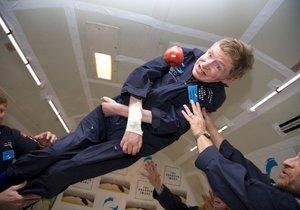 Hawking si vyzkoušel stav beztíže