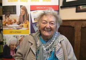Jednadevadesátiletá seniorka Květuše z Prahy 2, které nadační fond pomohl.