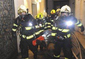 Požár hotelu v Náplavní ulici má pátou oběť.