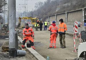 Rekonstrukce na nábřeží Kapitána Jaroše.