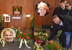 Ivo Pavlík se rok od smrti Věry Špinarové zúčastnil dalšího pohřbu na stejném místě, kde pohřbil matku.