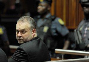 Radovan Krejčíř sedí 2. prosince 2013 v soudní síni v jihoafrickém Johannesburgu.