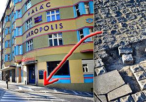 Chodníky v Praze 3 se rozpadají. Obyvatelé Žižkova si zoufají.