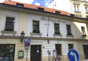 Ke znásilnění mělo dojít v Náprstkově ulici v místním hostelu.