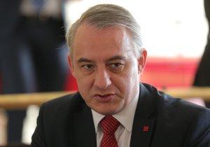 Předseda Českomoravské konfederace odborových svazů Josef Středula na 40. sjezdu ČSSD