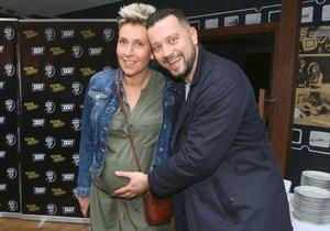 Michal Kavalčík s těhotnou přítelkyní Zuzanou