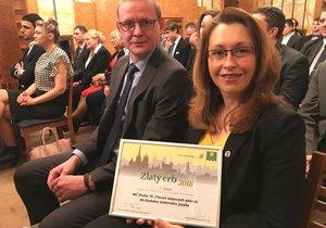 Web pro neslyšící boduje: Praze 10 přinesl ocenění pro nejlepší elektronickou službu v Praze
