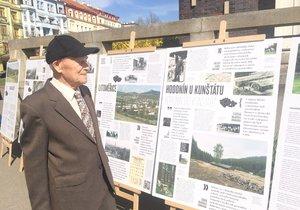 Pan Artúr Grünzweig měl skončit během 2. světové války v pracovním táboře. Se štěstím přežil, i když jeho rodiče a mladší sestra takové štěstí neměli.