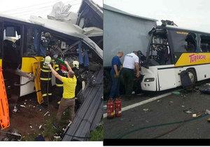 Nehoda kamionu a autobusu dopadla fatálně.