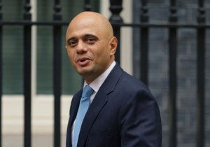 Novým britským ministrem vnitra je bývalý bankovní manažer Sajid Javid.