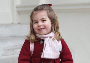 Fotka ze dne, kdy šla Charlotte poprvé do školky