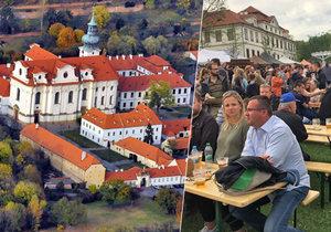 U Břevnovského kláštera proběhl již 4. První Pivní Máj. Účast byla hojná.