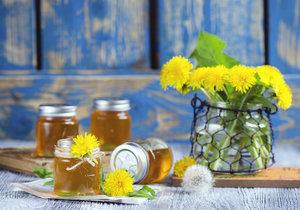 Pampeliškový med oceníte nejen při kašli a nachlazení