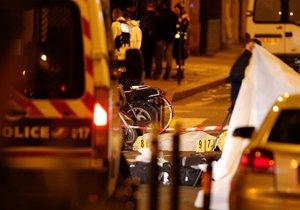 Útoční, který nožem útočil v centru Paříže a jednoho člověka zabil, byl zastřelen policií (12. 5. 2018)