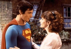 Margot Kidder po boku Supermana.