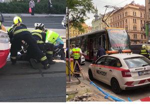 Tramvaj na přechodu u I. P. Pavlova srazila dva chodce. Oba zemřeli.
