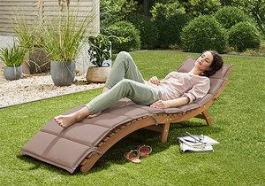 Skládací zahradní lehátko - eukalyptus, tchibo.cz, akční cena 3790 Kč