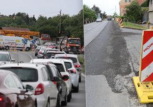 Dělníci v Běchovicích vyfrézovali kus silnice a hned ji zasypali recyklátem.