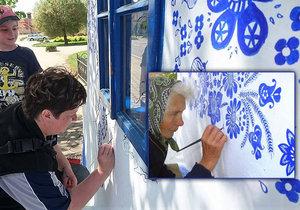 Slavná kaplička v Louce má novou malérečku: Tetičku (†90) nahradila neteř a ornamenty kreslí jinak