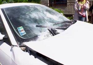 Na autě Slávky (19) explodovala bomba: Šlo o pomstu zhrzeného milence (21)?