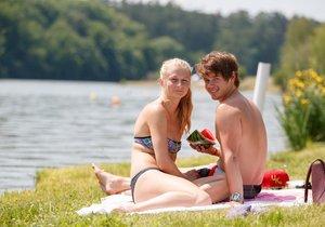 Do konce června i první týden letní prázdnin se budou nejvyšší denní teploty pohybovat v průměru kolem 26 stupňů Celsia