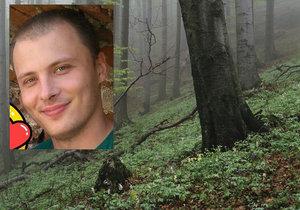 Roman se oběsil v lese. Proč, to není jasné.