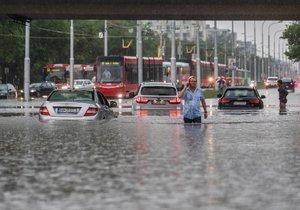 Záplavy a déšť v Bratislavě (7.6. 2018)