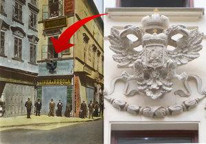 Tak vypadal dům v Orlí ulici na konci 19. století, to tam znak ještě byl. V roce 1918 šel pryč a nyní, po 100 letech, je opět zpátky.