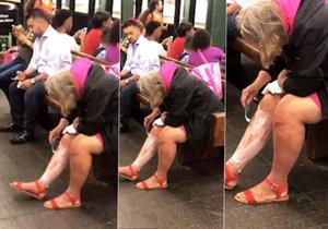 Asi ráno nestíhala... Žena si oholila nohy přímo v metru na nástupišti