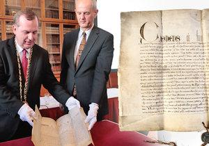 Univerzita Karlova získala originál papežského souhlasu s jejím založením z roku 1347.
