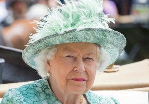 Královna Alžběta II. v Ascotu
