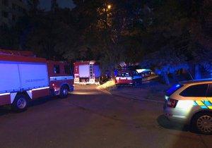 Na Hájích unikal plyn: Hasiči evakuovali 80 lidí, závada byla odstraněna po půlnoci
