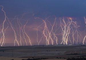 Česko zasáhnou bouřky, varování meteorologů platí až do neděle