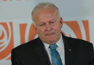 Ministr Krčál ve vládě končí. Neustál skandál s opisováním bakalářky